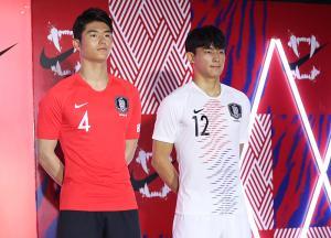 """한국 새 유니폼 발표, 일본 반응은?...""""부럽다"""""""