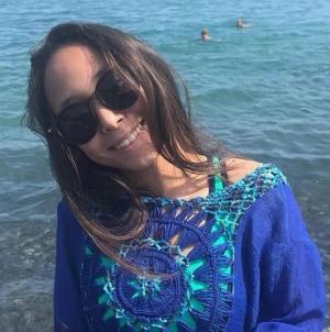 머리맡 스마트폰 폭발로 14세 소녀 사망